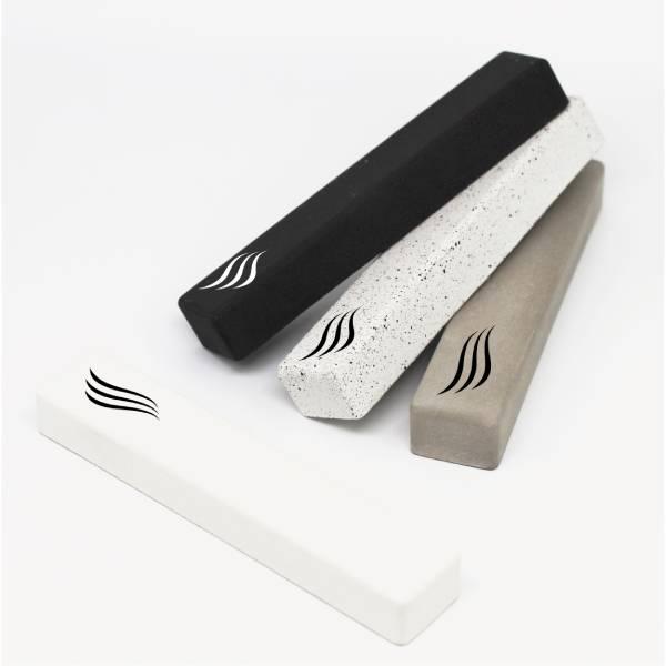מזוזה מעוצבת בסגנון נורדי מינימליסטי מבטון שחור
